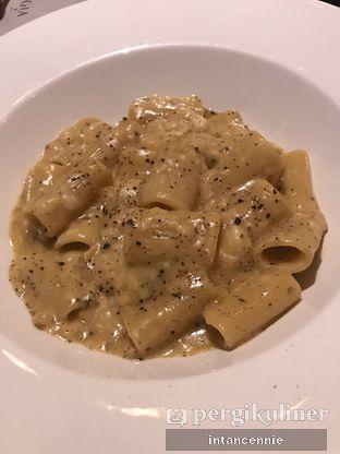 Foto 7 - Makanan di Gia Restaurant & Bar oleh bataLKurus