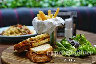 Foto 3 - Makanan(Tuna Melt) di Bakerzin oleh @teddyzelig