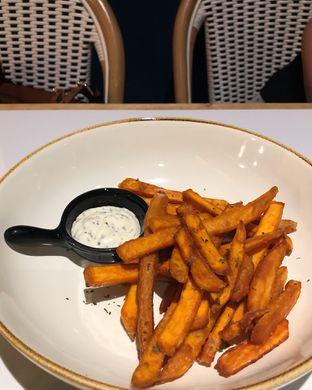 Foto 2 - Makanan(Sweet potato fries) di Amyrea Art & Kitchen oleh Claudia @grownnotborn.id