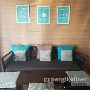 Foto 8 - Interior di Dailydose Coffee & Eatery oleh Ladyonaf @placetogoandeat