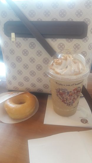 Foto - Makanan di J.CO Donuts & Coffee oleh Dzuhrisyah Achadiah Yuniestiaty