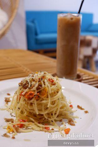Foto 2 - Makanan(Spaghetti Aglio Olio) di Hidden Haus Coffee & Tea oleh Slimybelly