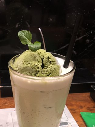 Foto 7 - Makanan(Green Tea Smoothies) di Itacho Sushi oleh YSfoodspottings