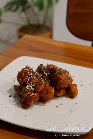 Foto 5 - Makanan(Chicken Wings) di Saturasi Kopi oleh Shella Anastasia