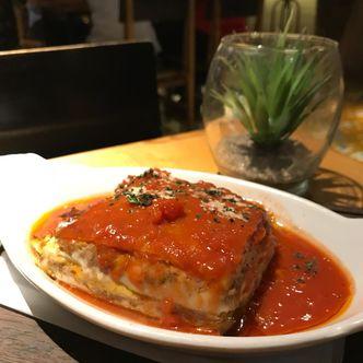 Foto Makanan di Monarchy House