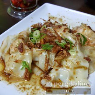 Foto 3 - Makanan(Pangsit Asam Manis) di Mie Zhou oleh @teddyzelig