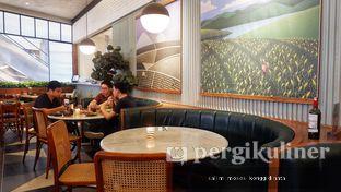 Foto 2 - Interior di AW Kitchen oleh Oppa Kuliner (@oppakuliner)