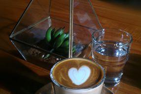 Foto De Facto Coffee & Eatery
