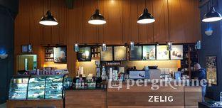 Foto review Starbucks Coffee oleh @teddyzelig  3