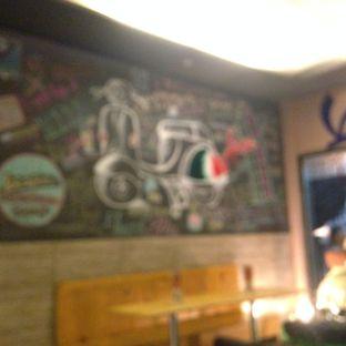 Foto 16 - Interior di Scooter Cafe oleh Almira  Fatimah
