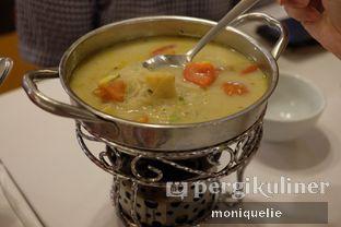 Foto 2 - Makanan(Sup Collagen Ayam) di Chop Buntut Cak Yo oleh Monique @mooniquelie @foodinsnap