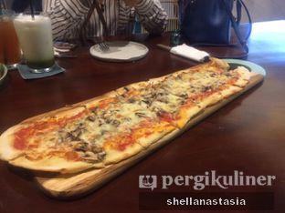 Foto 4 - Makanan(Pizza Funghi) di Convivium oleh Shella Anastasia