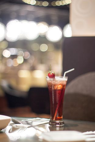 Foto 1 - Makanan(strawberry mint ice tea) di The Porte Eatery and Cafe - FM7 Resort Hotel oleh Edward Kurnia
