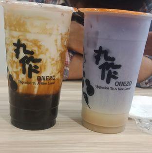 Foto - Makanan(Dirty Brown Sugar dan Taro Milk Tea) di Onezo oleh Aliyya