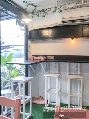 Foto 3 - Interior di Mimo Cooks & Coffee oleh Cubi