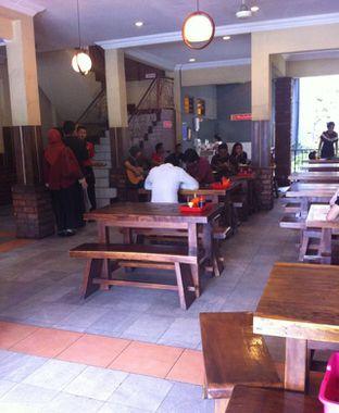 Foto 1 - Interior di Bebek Kaleyo oleh Ndah Whindah