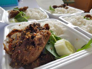 Foto 4 - Makanan di Nasi Bebek Sinjay oleh Amrinayu