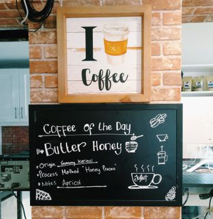 Foto 5 - Interior di Juliet Coffee oleh Erika  Amandasari