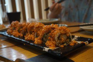 Foto 8 - Makanan(Salmon Rock and Roll) di Sushi Hiro oleh Elvira Sutanto