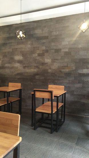 Foto 3 - Interior di De Facto Coffee & Eatery oleh Review Dika & Opik (@go2dika)
