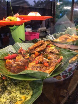 Foto 1 - Makanan di Nasi Uduk Ibu Jum oleh natalia || (IG)natjkt_foodie
