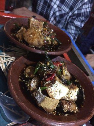 Foto 3 - Makanan di Tahu Gejrot Bang Jack oleh Aghni Ulma Saudi