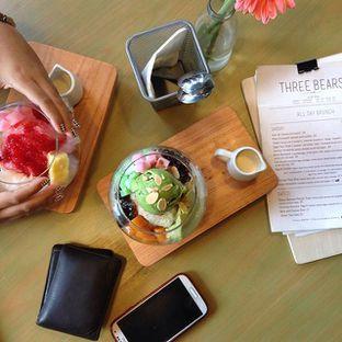 Foto - Makanan(BingSoo Green Tea & BingSoo Strawberry Cheesecake ) di Three Bears oleh Richard Wijaya