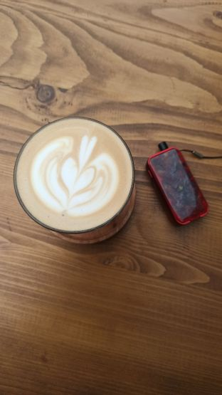 Foto 1 - Makanan(Cafe Latte) di Signal Coffee oleh Rachmat Kartono