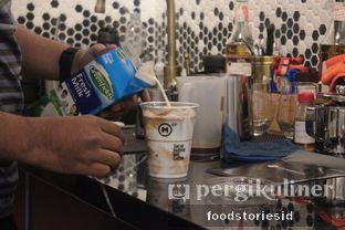 Foto 3 - Interior di Makna Coffee oleh Farah Nadhya | @foodstoriesid