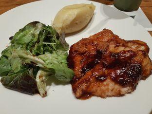 Foto 1 - Makanan di Lewis & Carroll Tea oleh virya