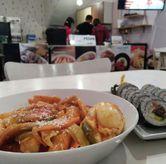 Foto Teobokki & bulgogi kimbab di Cafe Jalan Korea