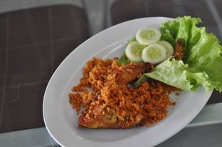 Foto 4 - Makanan(Ayam Goreng Special Waroeng Kampoeng) di Waroeng Kampoeng Seafood & Ropang oleh Christian   IG : @gila.kuliner13