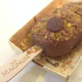 Foto review Magnum Cafe oleh Eka Lestari 4