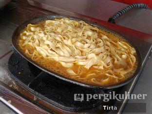 Foto review Mie Ayam Bakar Rondo Bakar oleh Tirta Lie 5