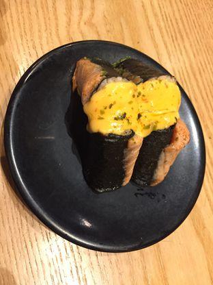 Foto 3 - Makanan(Fuji Roll) di Sushi Tei oleh dinaaraisa