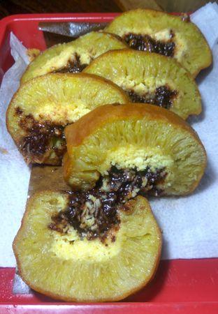 Foto 3 - Makanan(MARTABAK KEJU COKLAT ROLL (IDR 42k) ) di Martabak Bangka Akim oleh Renodaneswara @caesarinodswr