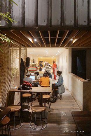 Foto 4 - Interior di Yumaju Coffee oleh @kulineran_aja