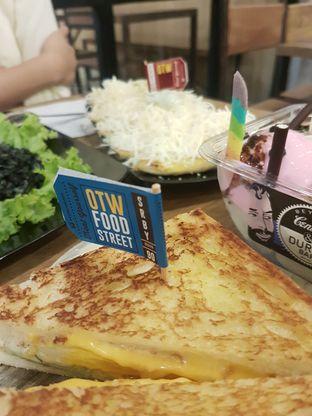 Foto 1 - Makanan di OTW Food Street oleh Randra Hayu
