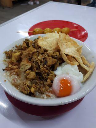 Foto 1 - Makanan di Bubur Ayam Alfa oleh Velia
