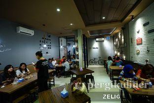 Foto 5 - Interior di Kedai MiKoRo oleh @teddyzelig