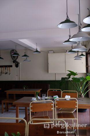 Foto 9 - Interior di Warung Bogor oleh Darsehsri Handayani