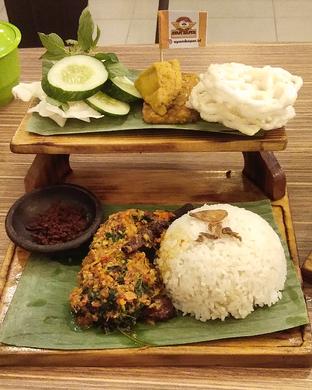 Foto 4 - Makanan di Ayam Baper oleh Devi Renat