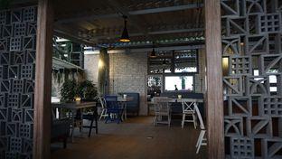 Foto 4 - Interior(Ambience Of The Venue) di Orofi Cafe oleh jkthungry
