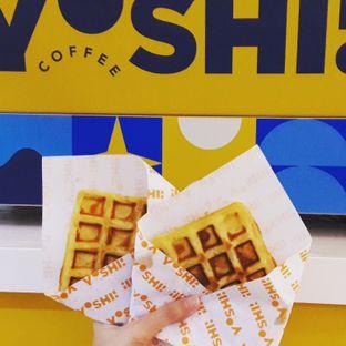 Foto 1 - Makanan(Waffle) di Yoshi! Coffee oleh Michael Wenadi