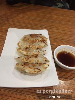 Foto 3 - Makanan(Gyoza) di Hajime Ramen oleh zizi
