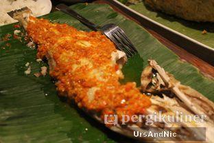 Foto 12 - Makanan(Ikan sukang bakar rica2) di Sulawesi@Kemang oleh UrsAndNic