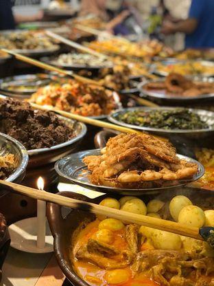 Foto 2 - Makanan di Nasi Kapau Juragan oleh Makan2 TV Food & Travel