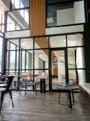 Foto 7 - Interior di Simetri Coffee Roasters oleh Ika Nurhayati