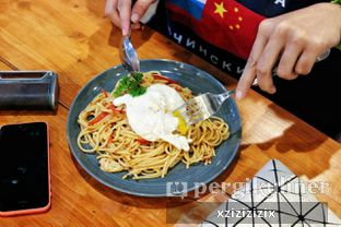 Foto 1 - Makanan(Homemade Aglio Olio) di One Eighteenth oleh zizi