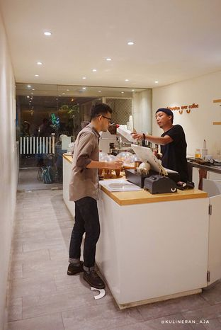 Foto 6 - Interior di Yumaju Coffee oleh @kulineran_aja